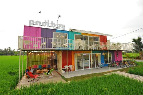 Sekinchan - Padi Box Home & Cafe